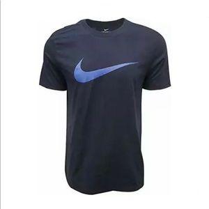 Nike Sportswear Mens Hangtag Swoosh T-Shirt Large
